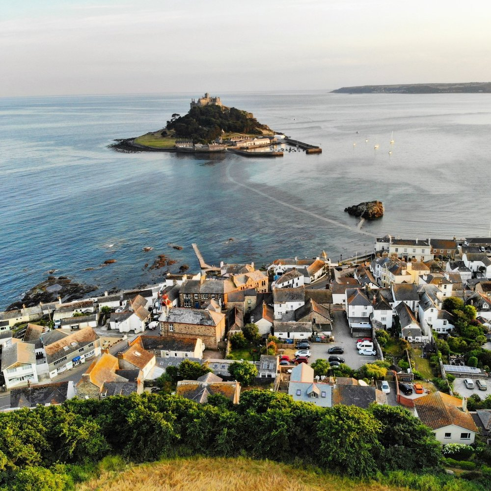 The Cottage - The Square, Marazion, CornwallOne double room and one twin room.01736 719259