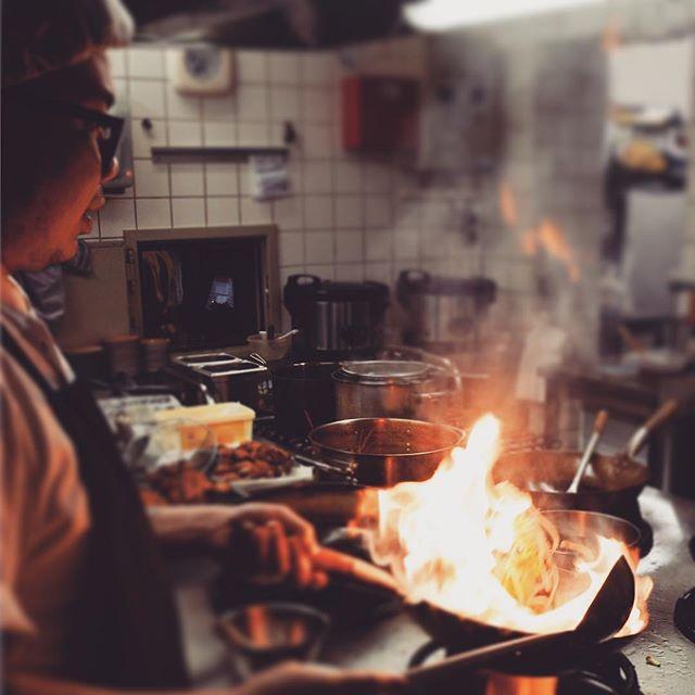Wokin' it 🔥 #bangkok1974 #foodporn #eat #cooking #thaifood #asianfood #chefslife #woking