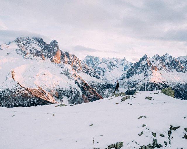 #throwback to France 🇫🇷 Can you spot @bertverbraak on the edge of the ridge? . . . . .  #instapassport #aroundtheworldpix #ig_masterpiece #campinassp #flashesofdelight #travelog #mytinyatlas #visualmobs #styleblogger #streetphotographer #HypeBeast #lensculture #exploremore #lifestyleblog #thehappynow #storytelling #postthepeople #makemoments #france_vacations #wu_france #france_photolovers #unlimitedfrance #exclusive_france #dji #djimavic #dronestagram #drones