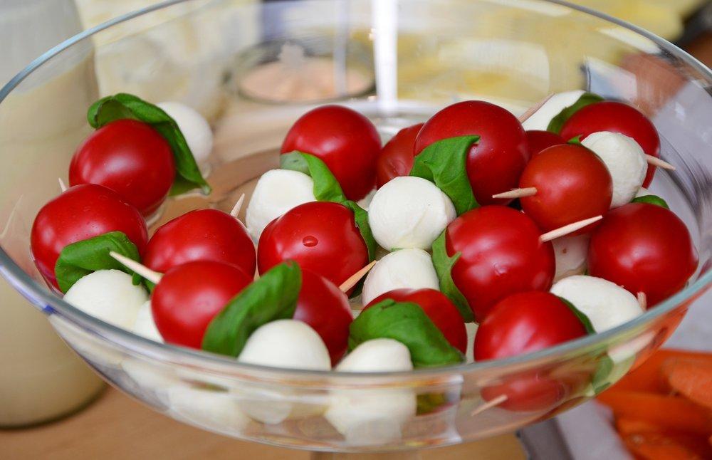 tomato-mozzarella-653838_1920.jpg