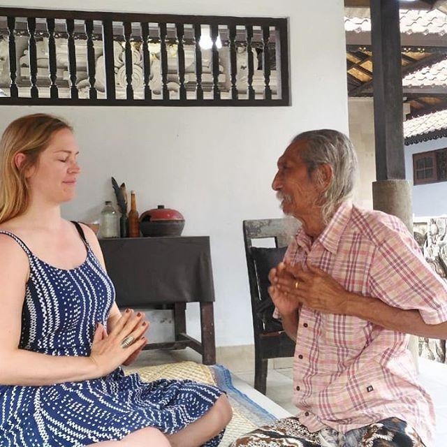Sitting with Cokorda Rai Xaman, a 95yr old Balinese healer(Balian). #baliculture