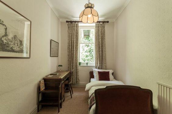 Single Room - $1,500 USD