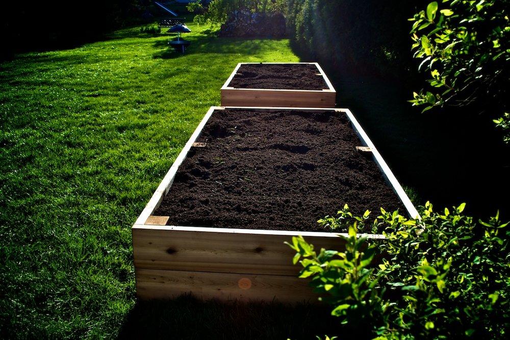 raised-garden-bed-012.jpg