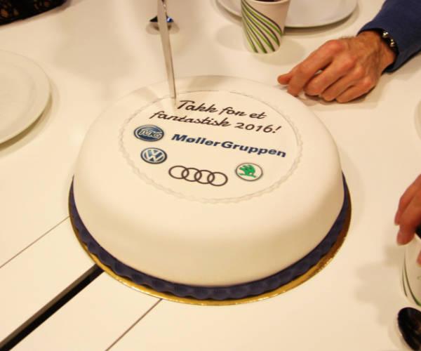 Möllergruppen bjöd in alla anställda påtårtfest -
