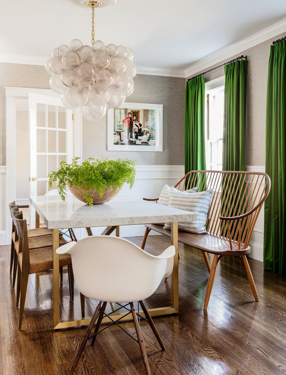 WABAN PROJECT 2    A dining room to make dinner party guests green with envy.