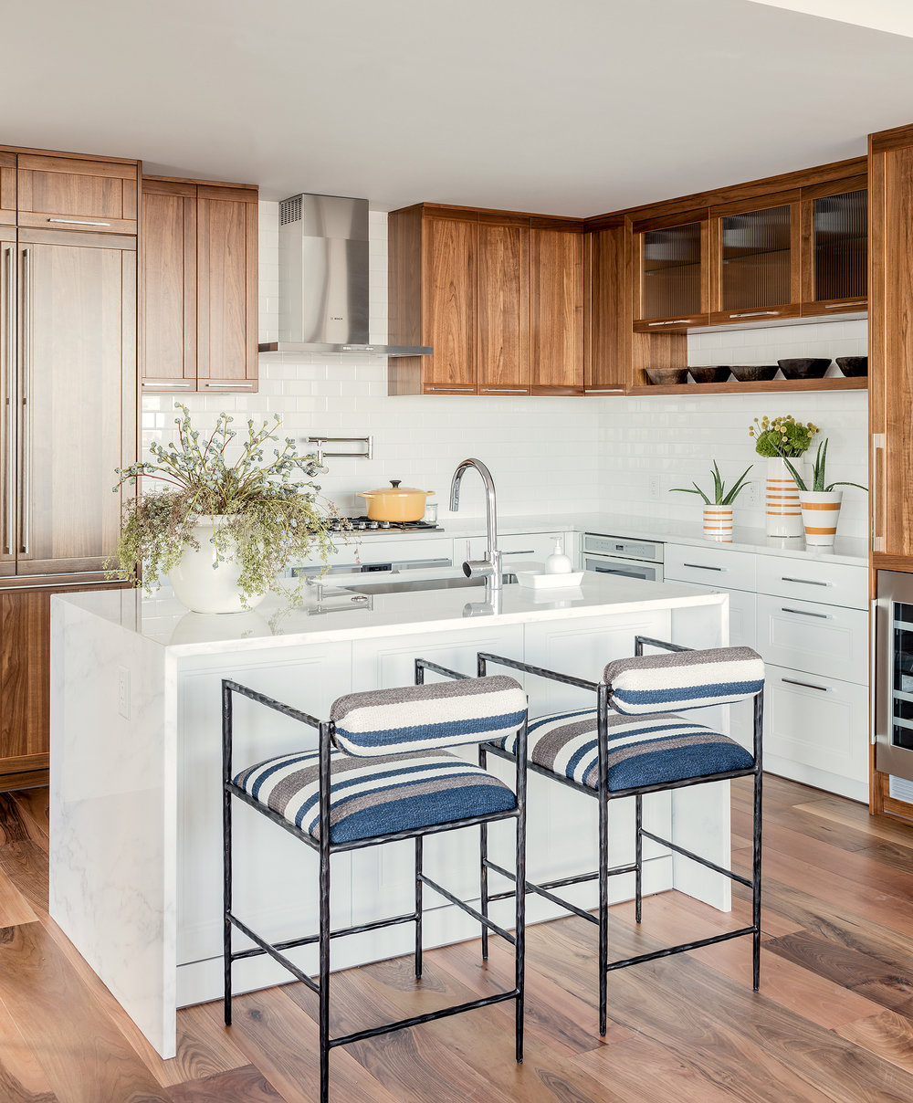 pier-4-model-kitchen-island-hudson-interior-designs.jpg