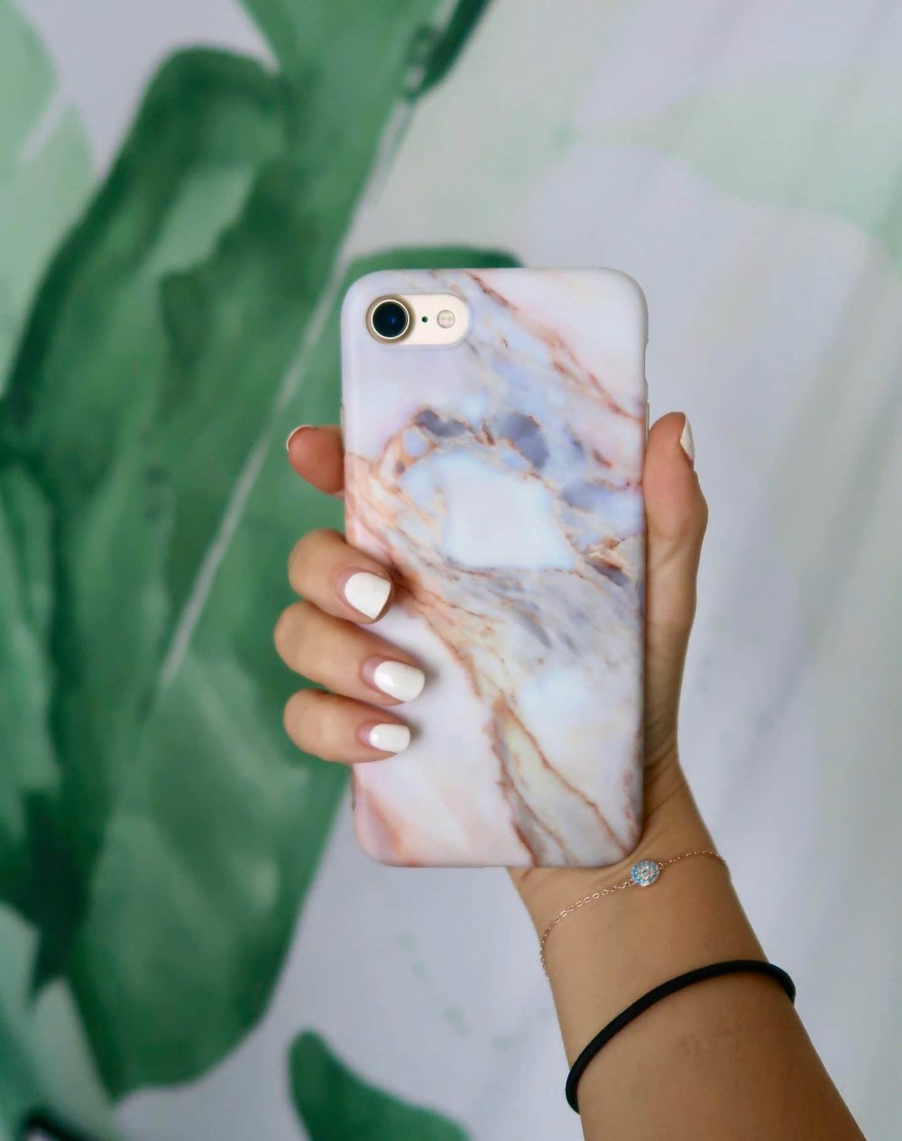 Let's be twins!!! - Any phone case lovers out there??? I've always found it to be so much fun to switch up my case, it would feel like I got a new phone!For the longest time I had a simple (basic) white marble phone case and I was kind of getting bored of it… so I went to amazon to find a cute case that was still pretty cheap. I still really like the marble print but I wanted mine to be a little less basic and predictable. I purchased this case in the color pink and I absolutely adore it.I really like it because even though it's thin, it still protects my phone whenever I accidentally drop it. It feels sturdy in my hands and it looks super cute at the same time, what more could a girl want?!
