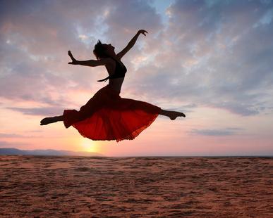 woman_dancer_leap.jpg