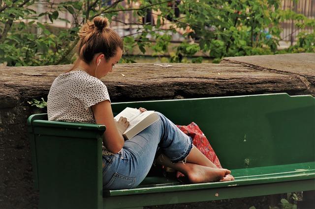 reading-3462508_640.jpg