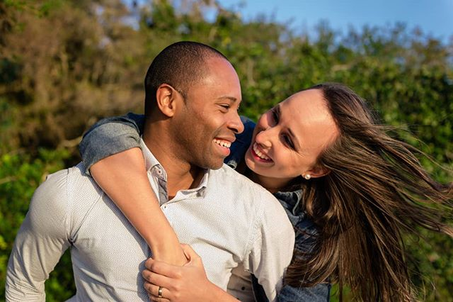 Ensaio de casal 💜 . . . #fotografiadecasal #ensaiofotografico #fotografiadecasamento #fotoscomamor #correafotografia