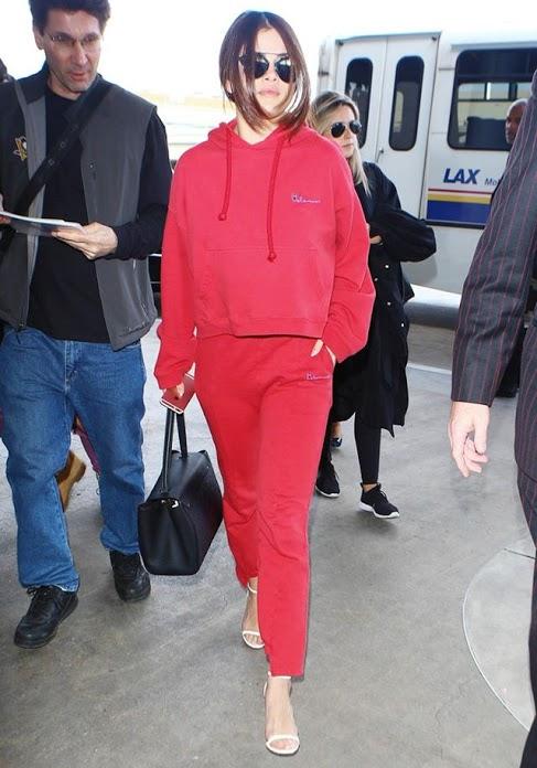 selena-gomez-just-wore-the-next-it-girl-brand-in-paris-1690335-1457552991.640x0c.jpg