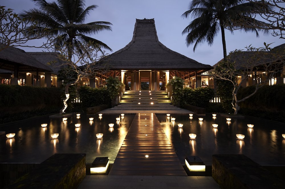 MAYA UBUD - 5 STAR LUXURY - A luxurious 5-star eco-friendly resort, Maya Ubud features a collection of 108 stunning villas and suites cocooned in a tropical Balinese river valley setting.Learn more ➝