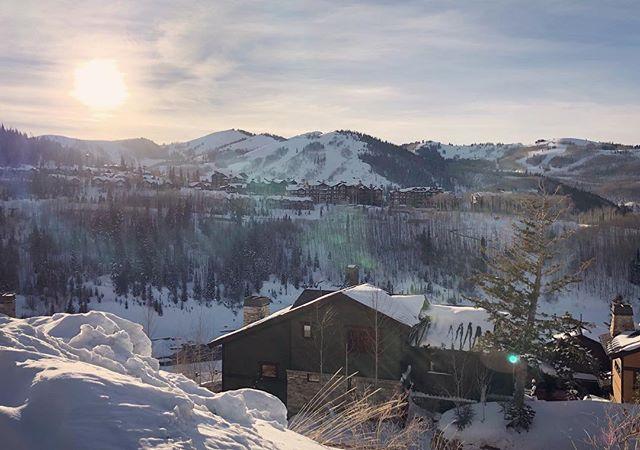 Gettin' lit on this altitude. . . . . . . #sundaynight #happy #sunday #mood #instagood #instamood #photooftheday #photo #nature #photography #snow #beautiful #sky #sun #light #sunlight #outdoor #nofilter #life #winter #weekendvibes #parkcity #utah #sundance #filmfestival #sundancefilmfestival #blue #sunset