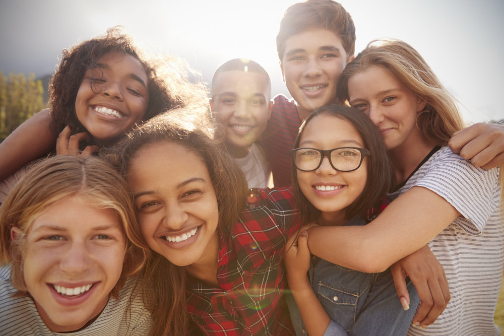 Wir wollen einen Ort, - ... an dem Neugier und Begeisterung den Alltag bestimmen. So kann nachhaltiges Lernen stattfinden.Lernen ist etwas positives und ein lebenslanger Prozess.Kinder sollen selbstbestimmt und eigenverantwortlich lernen können, denn auf diesem Wege kann jeder Mensch seine Persönlichkeit und sein Potenzial frei entfalten.
