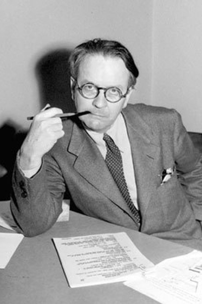 Raymond Chandler(1888-1959) - Raymond Chandler was an American novelist and screenwriter. His first book 'The Big Sleep' was published in 1939 and was adapted for the screen in 1943. His series of novels follow L.A based Phillip Marlowe, now widely associated with the term 'Private Detective'.Chandler is known to have inspired many new generation murder mystery writers. Michael Connolly and Robert Crais are amongst those to have been influenced by the ingenuity of his plots and his witty turn of phrase.