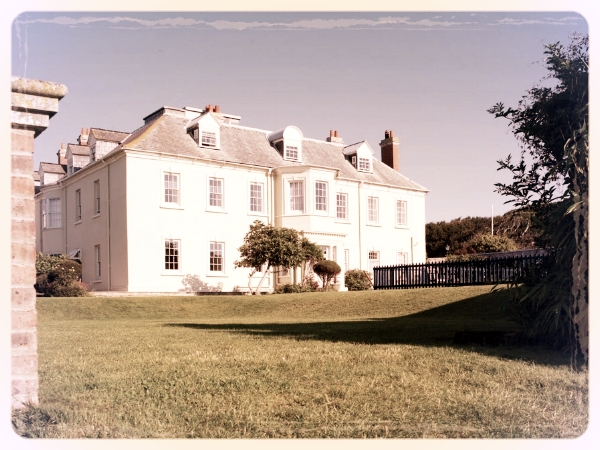 Moonfleet Manor - This handsome Georgian Manor overlooks the world famous Chesil Beach. We love The Varandah Green room with it's own bar and ample open space. Why not consider our fantastic bond themed murder mystery, On Her Majesty's Service.
