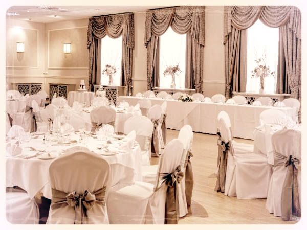 Best Western Royal Clifton Hotel & Spa - The impressive Royal Clifton Hotel & Spa Southport offers first class facilities and services making it high on our list of excellent venues in Merseyside. Our Murder and the Mob murder mystery works perfectly in the Balmoral Suite due to its beautiful 1930's art-deco style.