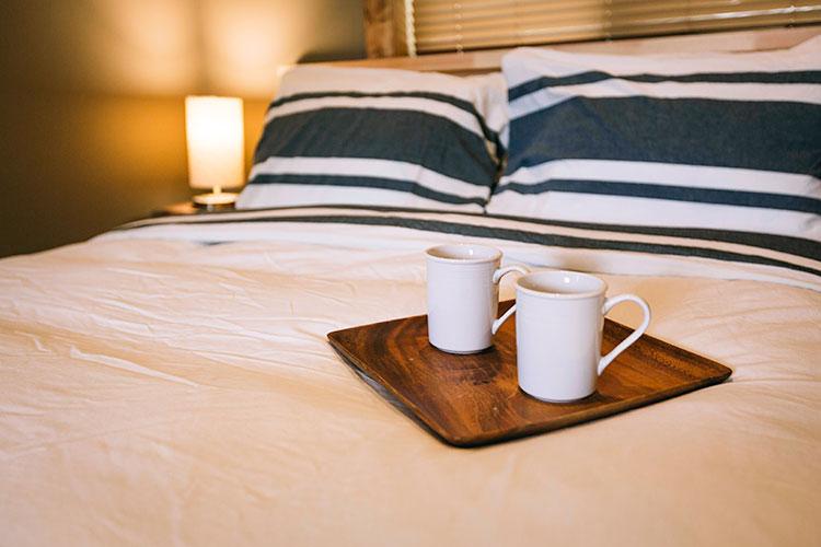 WHITE-LAKE-CABINS-general-luxury-bedding-17.jpg