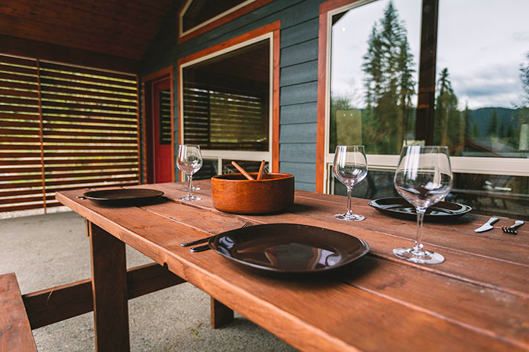 WHITE-LAKE-CABINS-outdoor-dining-42.jpg