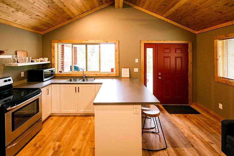 WHITE-LAKE-CABINS-studio-kitchen-92.jpg