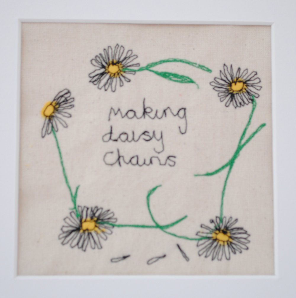 Fee Fraser Picture Medium Simple Daisy Chain (2).JPG