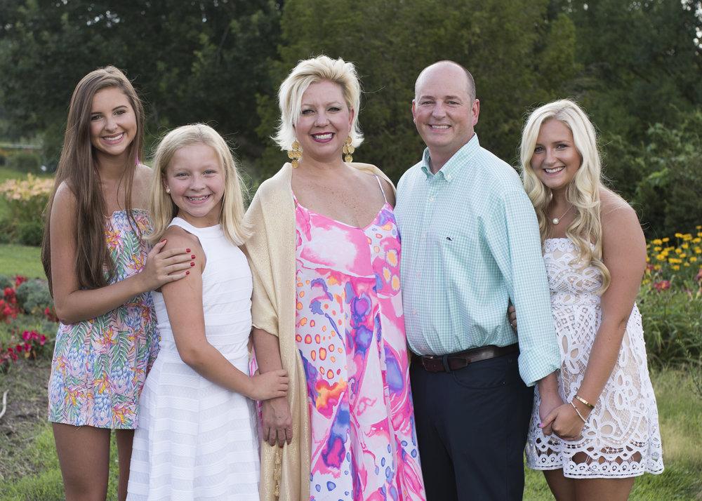 Melanie's Family_DSC3547_1.JPG