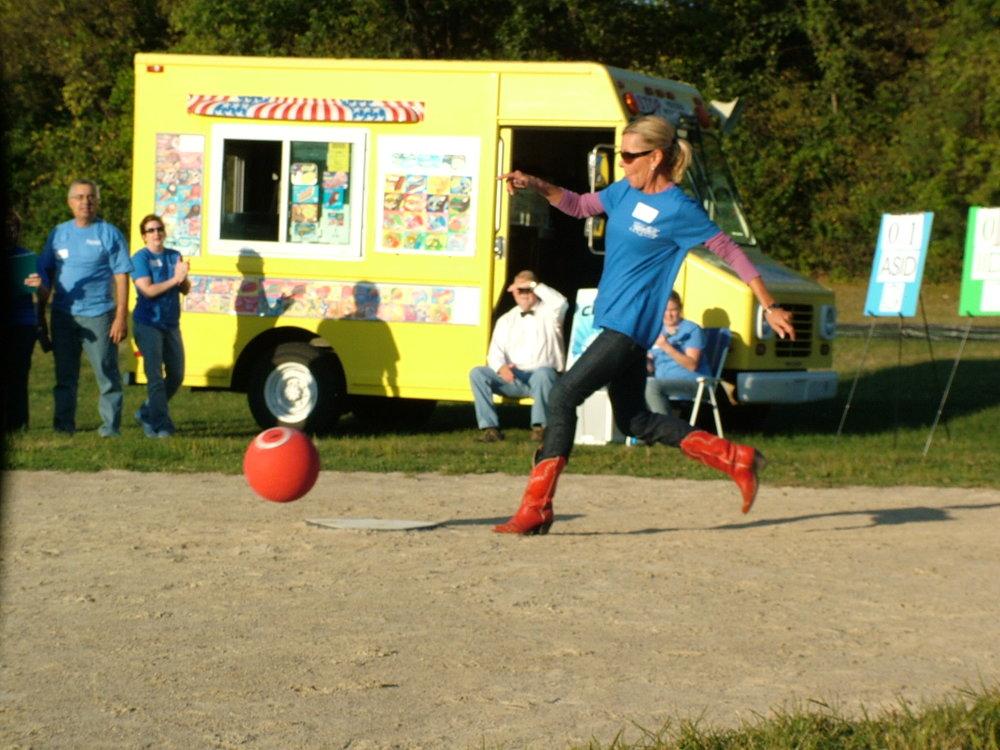 2010 Kickball 163.JPG