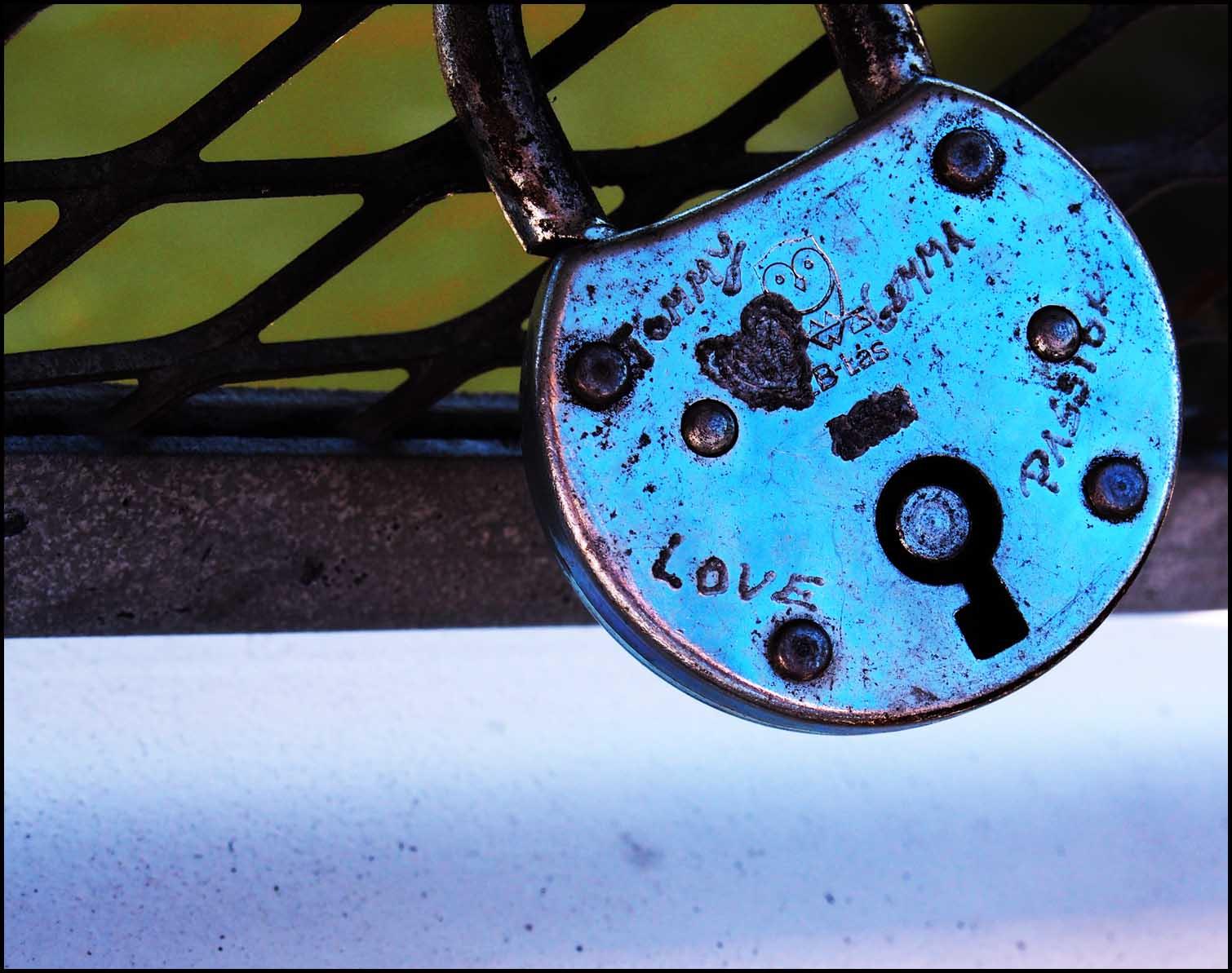 'Love' padlock, Helsinki