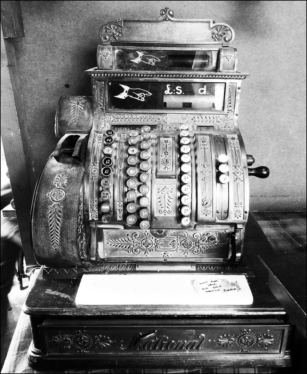 B&W Cash Register