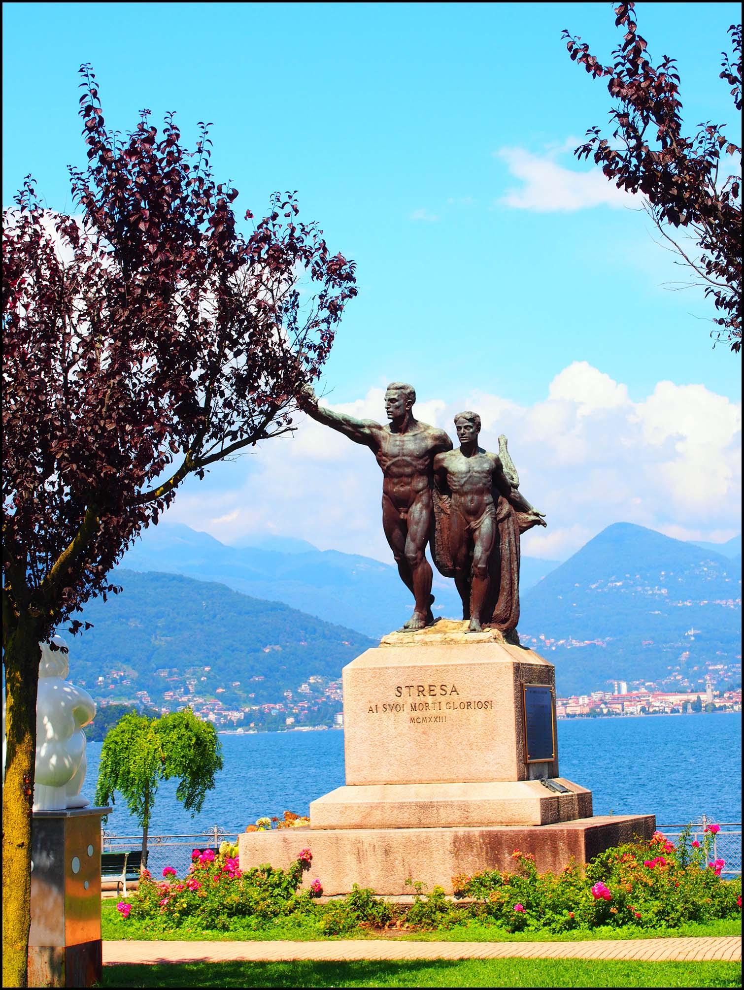 Statue, Stresa