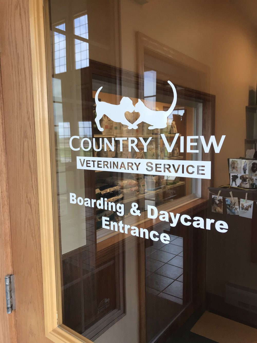 window_lettering_CountryViewVet.jpg