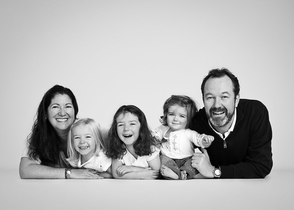 Big family groups are no problem, just require more time in the studio