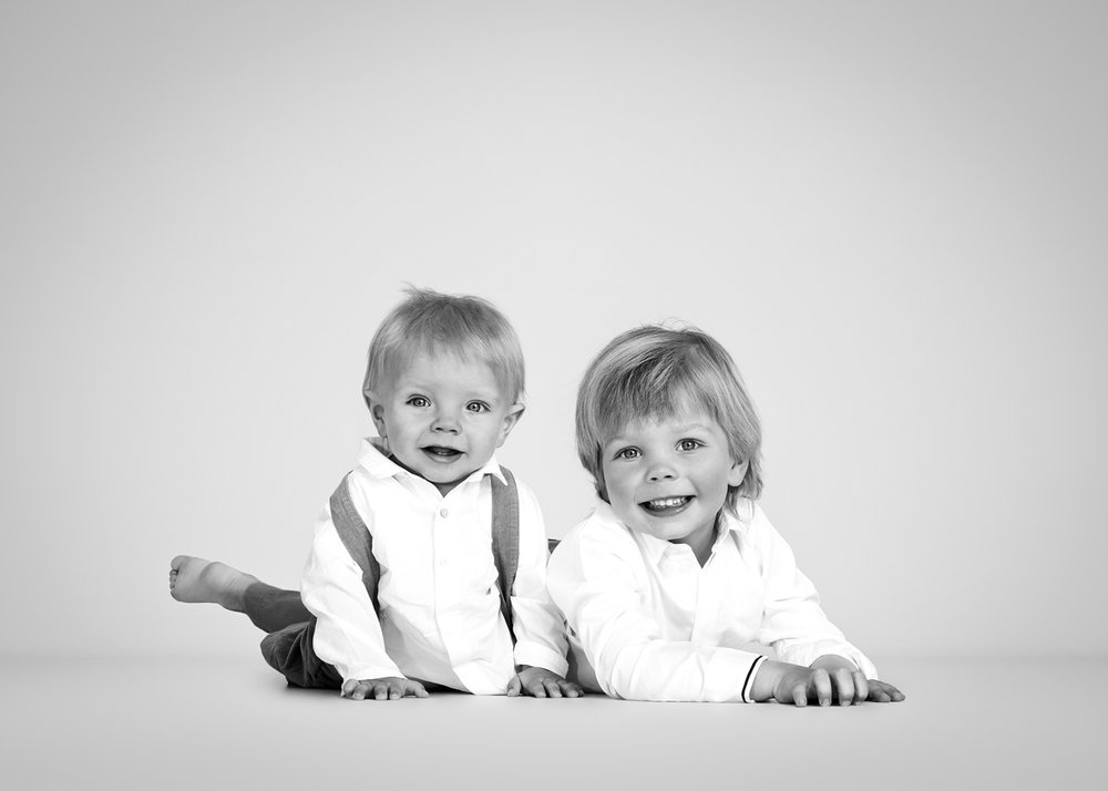 siblings portrait Nousha Photography