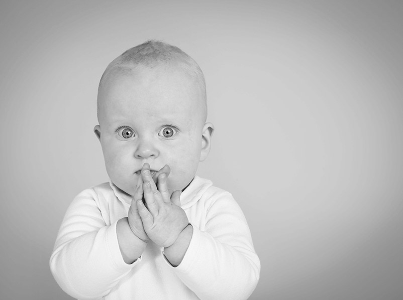 - The photo studio session lasts no more than an hour to be friendly to your little ones.