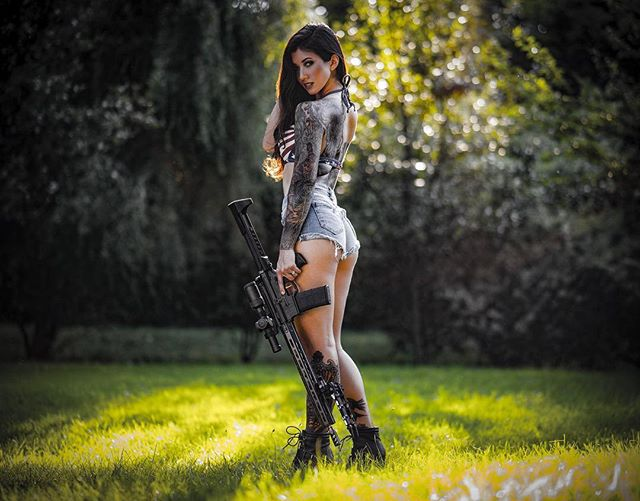 We here at Shoot it Live HQ hope all you freedom loving patriots out there are having a wonderful Tuesday! Shoot it live range day is hosting a meet and greet for our Calendar models. Get your ticket and come hang with @auramorgana!