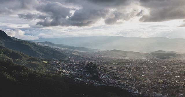#tbt: Last year at this time we were wrapping up a month spent in 🇨🇴. I'd be lying if said I haven't frequently longed to be back, dancing through those vibrant cities & landscapes. . . 📌 🏙🌆 #bogotá.