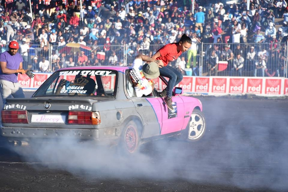 All hail the Queen of Smoke. - At 21 years old, Stacey-Lee May is changing perceptions about spinning, a South African motorsport rooted in township gang culture. > TO THE SERIES