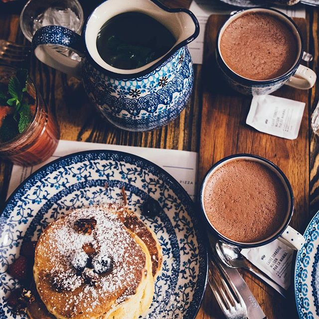 It's freezing rain outside this morning, perfect for hanging out and having pancakes and an extra cup of tea. Whatever you're doing today I hope you can take a little time to relax after the holiday hustle. 😅 Happy Saturday everyone. 💗 Photo credit: Anthony Delanoix, Unsplash