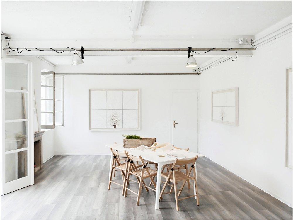 SPAZIO LAB - Spazio Lab è un'ampia sala di lavoro interamente personalizzabile dotata di pavimento in laminato, luci modulabili e accesso diretto al giardino. La natura modulabile di Spazio Lab consente al contempo l'utilizzo sia come Galleria per esposizioni d'arte che per una accogliente sala meeting.SCOPRI SPAZIO LAB