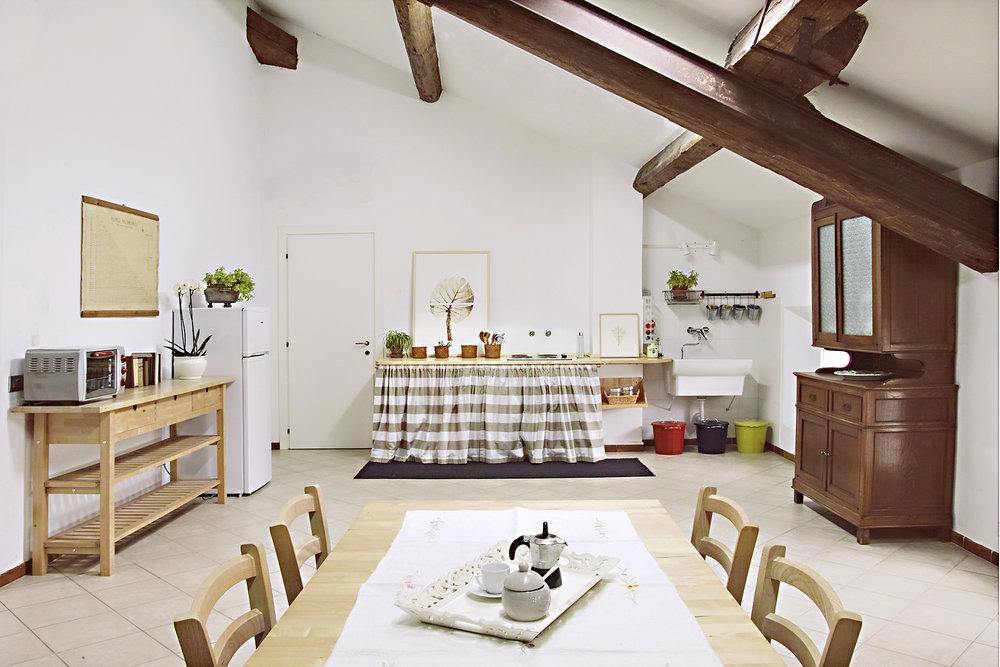 CUCINA E SPAZIO LIVING - Gli ampi spazi della cucina e zona living sono ideali per condividere momenti...                  SCOPRI CUCINA E SPAZIO LIVING