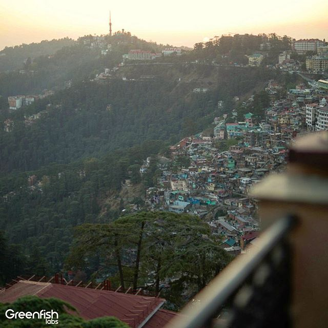 This is a sunset 🌇 view of the mountainside 🏔️ city of Shimla in the northern Indian state of Himachal Pradesh 🇮🇳 . We captured life in #VR in this busy city 🏙️ that used to be the summer capital for the British 🇻🇬. #experience360reality #greenfishindia #sunset #india