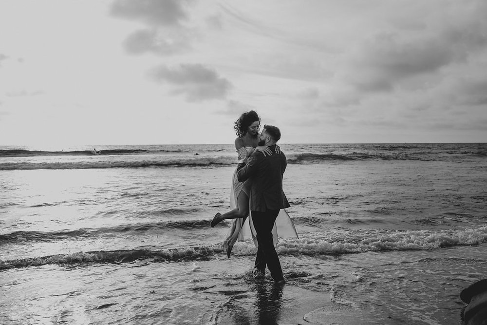 pinkfeatherphotography-Lajollabeach-engagement(101of146).jpg