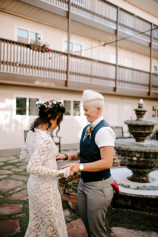 pinkfeatherphotography.OceanBeach-Wedding(45of591).jpg