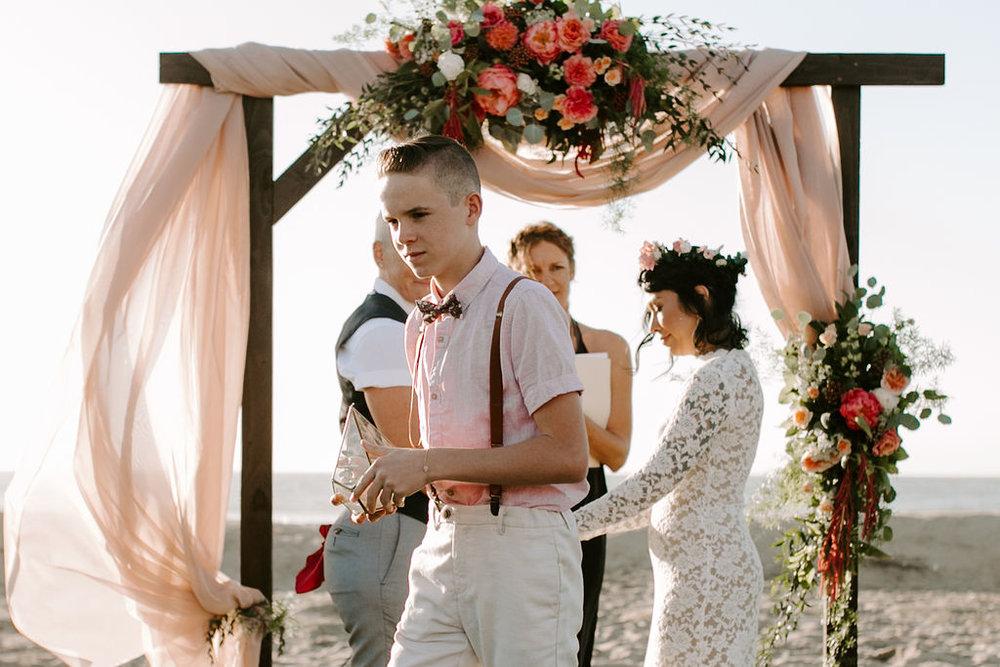pinkfeatherphotography.OceanBeach-Wedding(146of591).jpg