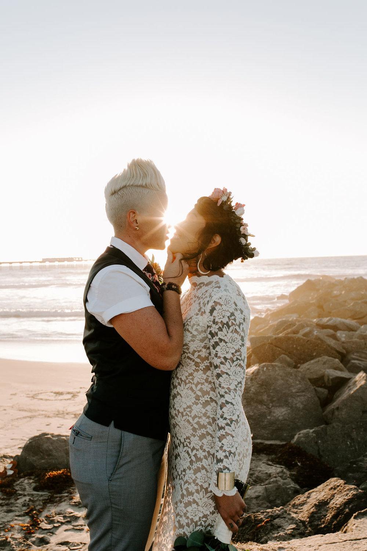 pinkfeatherphotography.OceanBeach-Wedding(275of591).jpg