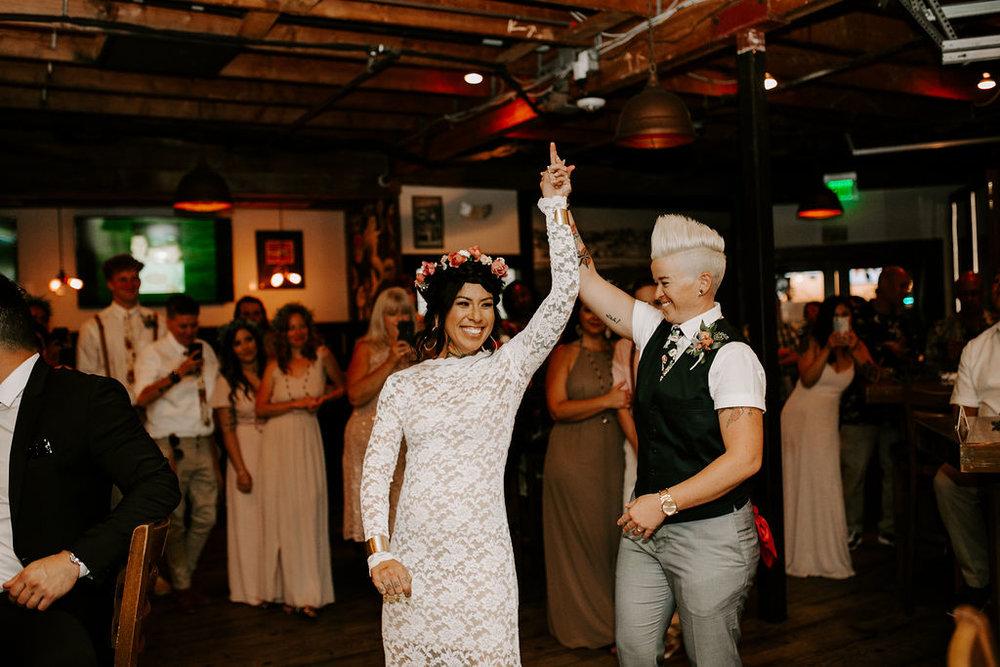 pinkfeatherphotography.OceanBeach-Wedding(392of591).jpg