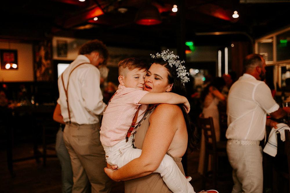 pinkfeatherphotography.OceanBeach-Wedding(460of591).jpg