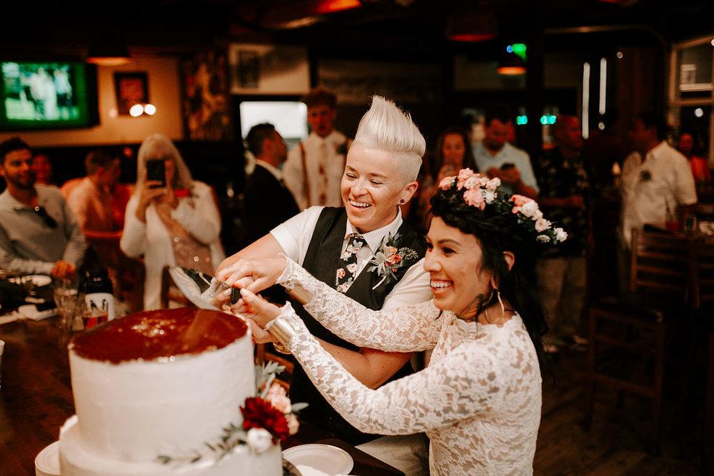 pinkfeatherphotography.OceanBeach-Wedding(505of591).jpg