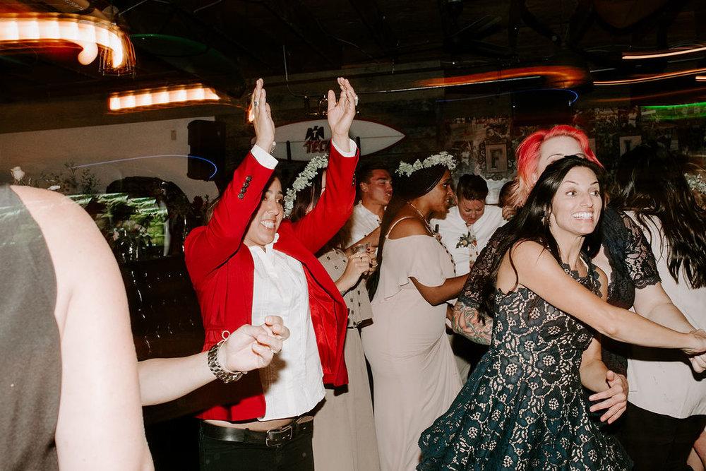 pinkfeatherphotography.OceanBeach-Wedding(565of591).jpg