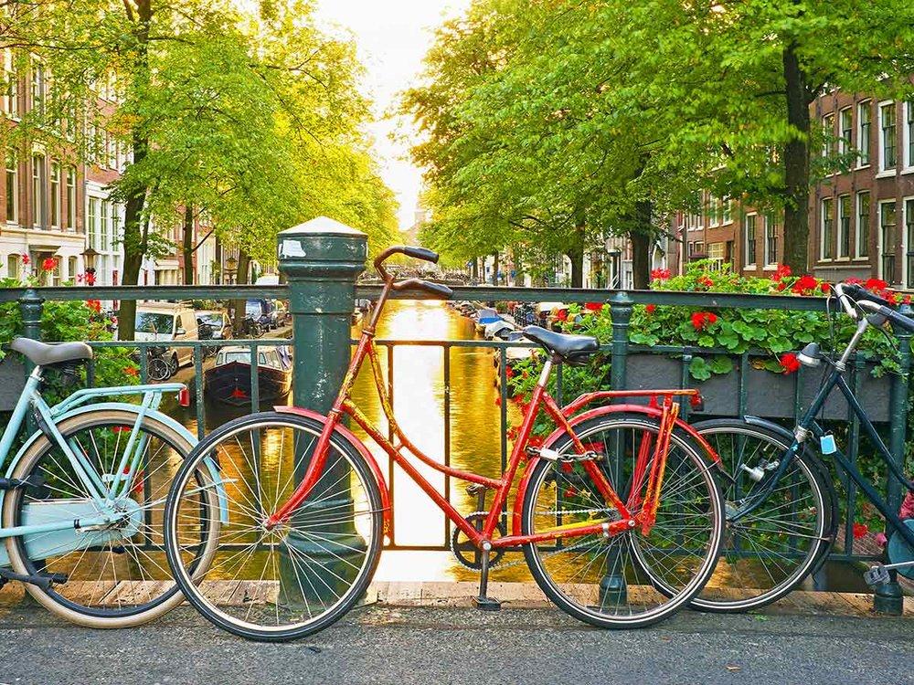 amsterdam-canal-bikes-holland.jpg